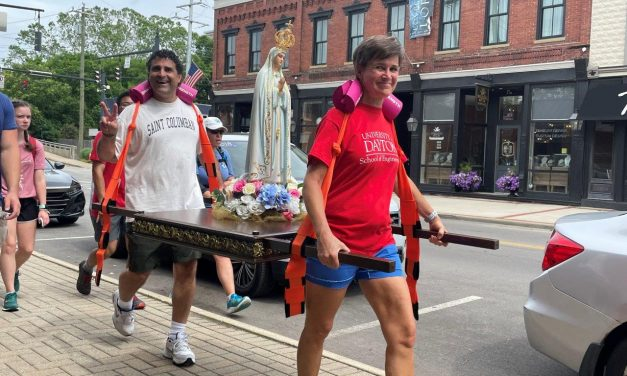 Mary Statue Brings out the Love in Loveland